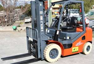 Heli 2.5T Gas Forklift for HIRE from $200pw + GST