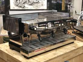 LA MARZOCCO LINEA CLASSIC AV 3 GROUP ESPRESSO COFFEE MACHINE CAFE SPECIALTY - picture0' - Click to enlarge