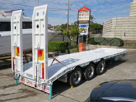 Interstate Trailers Tri Axle Tag Trailer kobelco Blue ATTTAG - picture4' - Click to enlarge