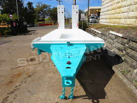 Interstate Trailers Tri Axle Tag Trailer kobelco Blue ATTTAG - picture6' - Click to enlarge