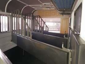 2013 Kings 3 x Horse Float, Angle Load, Kitchenette.  TS458 - picture3' - Click to enlarge