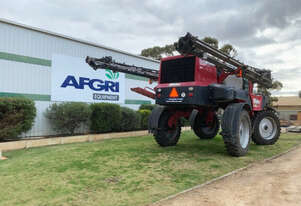2016 Miller Nitro 5240 SP Sprayers