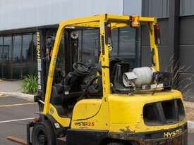 2.5T Hyster Counterbalance Forklift - picture0' - Click to enlarge
