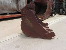Custom  Bucket-GP Attachments - picture1' - Click to enlarge