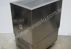 Commercial Kitchen Mobile Deep Freezer - 100L
