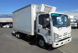 Isuzu 2013   NPR 200 MEDIUM