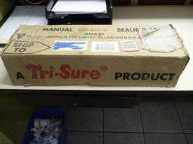 TRI-SURE DRUM BUNG SEALING TOOLS - picture2' - Click to enlarge