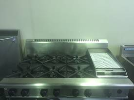 Waldorf 6 Burner Cooktop with 300mm Griddle Plate