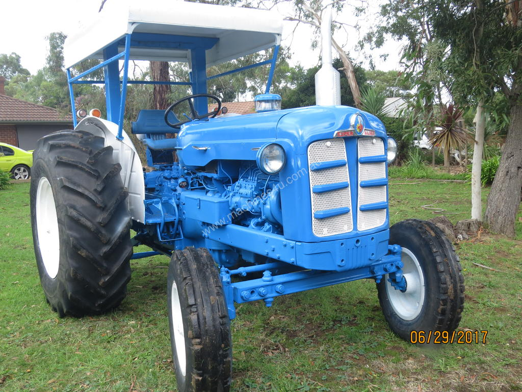 Picture of: Used Fordson Price Drop Vintage Fordson Super Major Tractor Fully Restored And Operational Tractors In Listed On Machines4u