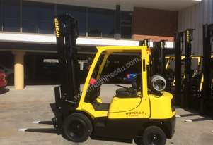 Low hours good condition 2.5T forklift