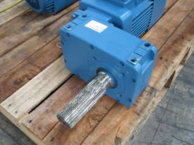 Demag Electric Geared Travel Motor - 0.4kW 415V - picture1' - Click to enlarge
