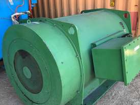 600 kw 800 hp 6 pole 11000 volt AC Electric Motor - picture0' - Click to enlarge