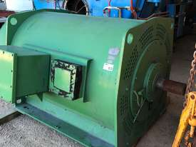 600 kw 800 hp 6 pole 11000 volt AC Electric Motor - picture1' - Click to enlarge
