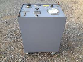 Air operated hydruaulic power pack  - picture0' - Click to enlarge