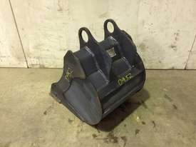 UNUSED 350MM BUCKET WITH BLANK HOOKUPS SUIT 1-2T EXCAVATOR D952 - picture2' - Click to enlarge