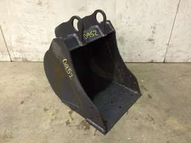UNUSED 350MM BUCKET WITH BLANK HOOKUPS SUIT 1-2T EXCAVATOR D952 - picture3' - Click to enlarge