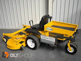Second Hand Walker Mower 26hp Petrol 62 Inch Side Discharge Deck - picture2' - Click to enlarge