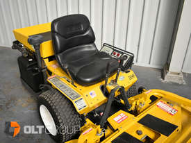 Second Hand Walker Mower 26hp Petrol 62 Inch Side Discharge Deck - picture7' - Click to enlarge