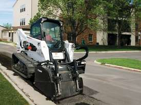 T870 Compact Track Loader - picture0' - Click to enlarge