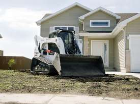 T870 Compact Track Loader - picture2' - Click to enlarge