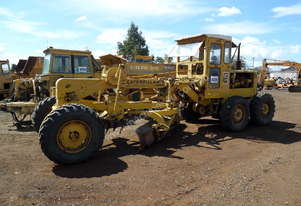 1964 Caterpillar 12E 21F Grader *CONDITIONS APPLY*