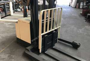 Crown   40WRTF102 Forklift