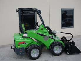 Avant 423 Wheel Loader W/ 4 in 1 Bucket - picture10' - Click to enlarge