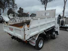 Isuzu NLR200 Tipper Truck - picture1' - Click to enlarge