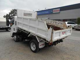 Isuzu NLR200 Tipper Truck - picture2' - Click to enlarge