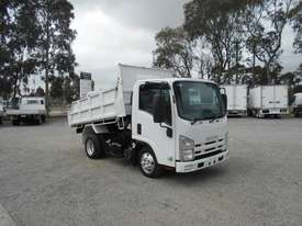 Isuzu NLR200 Tipper Truck - picture3' - Click to enlarge