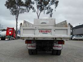 Isuzu NLR200 Tipper Truck - picture5' - Click to enlarge