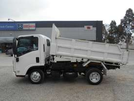 Isuzu NLR200 Tipper Truck - picture6' - Click to enlarge