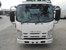 Isuzu NLR200 Tipper Truck - picture7' - Click to enlarge