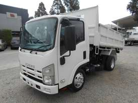 Isuzu NLR200 Tipper Truck - picture11' - Click to enlarge