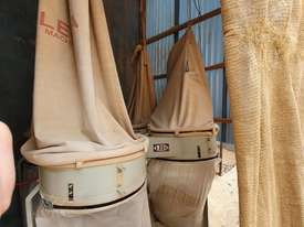4 Bag Dust Collector - picture0' - Click to enlarge