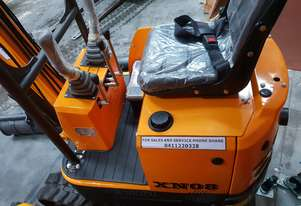 Mini excavator New model rhino xno8    with all attachments