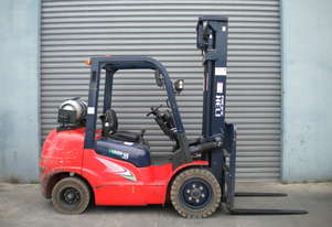 HELI 3.5t COUNTER BALANCED FORKLIFT