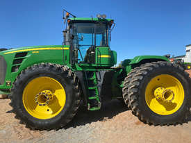 John Deere 9530 FWA/4WD Tractor - picture1' - Click to enlarge