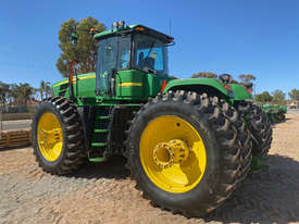 John Deere 9530 FWA/4WD Tractor - picture2' - Click to enlarge