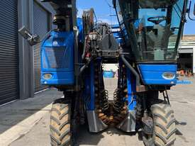 Used Braud VX680 Harvester - picture2' - Click to enlarge