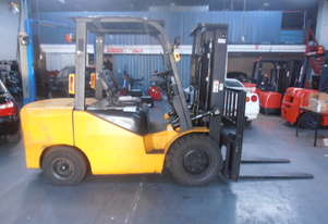 3.5ton forklift with diesel engine