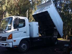 Hino FC4J Ser 2 Chipper Truck year 2007 - picture0' - Click to enlarge