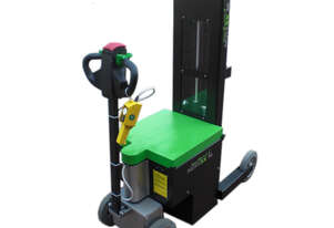 Battery Electric Pull/Push, 2500kg capacity complete with Lifter & Remote Control