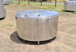 1,100lt STAINLESS STEEL TANK, MILK VAT