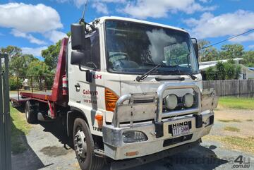 HINO 500 TILT TRAY AND TAG TRAILER
