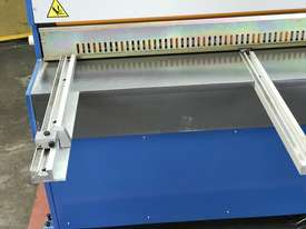 3050mm x 3.2mm Tru Cut EMS Guillotine - picture18' - Click to enlarge