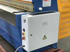 3050mm x 3.2mm Tru Cut EMS Guillotine - picture2' - Click to enlarge