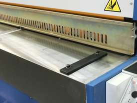 3050mm x 3.2mm Tru Cut EMS Guillotine - picture3' - Click to enlarge