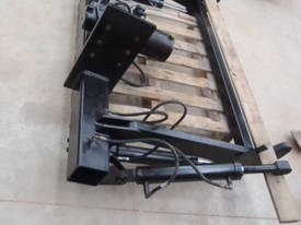 2 Ton Tailgate - picture4' - Click to enlarge