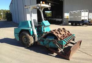 CA-121 pd , padfoot roller , push blade , 4 ton , 2503 hrs